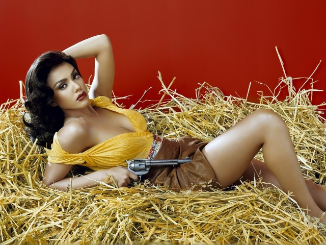 gb 3, guns and bikinis