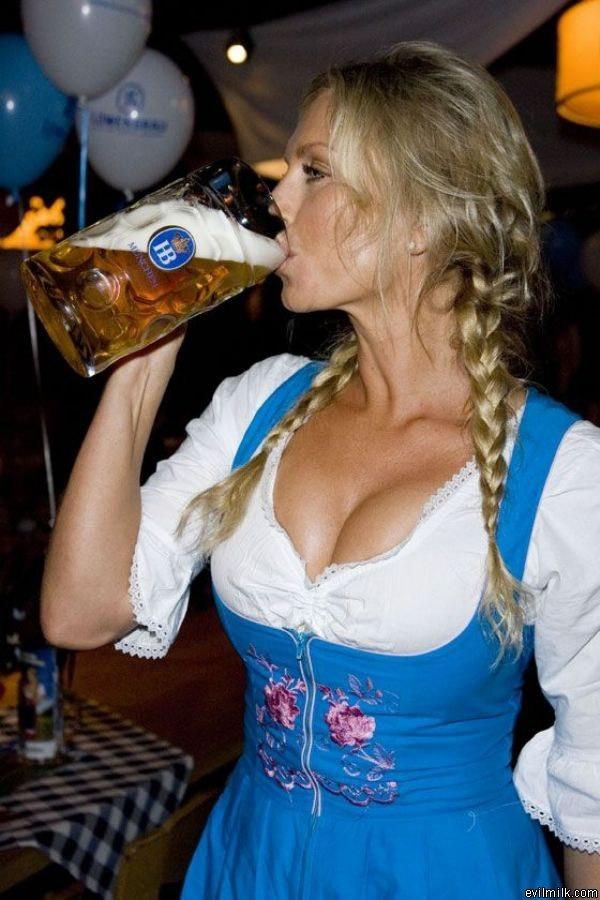 German-Beer-Girl-Fork-Party