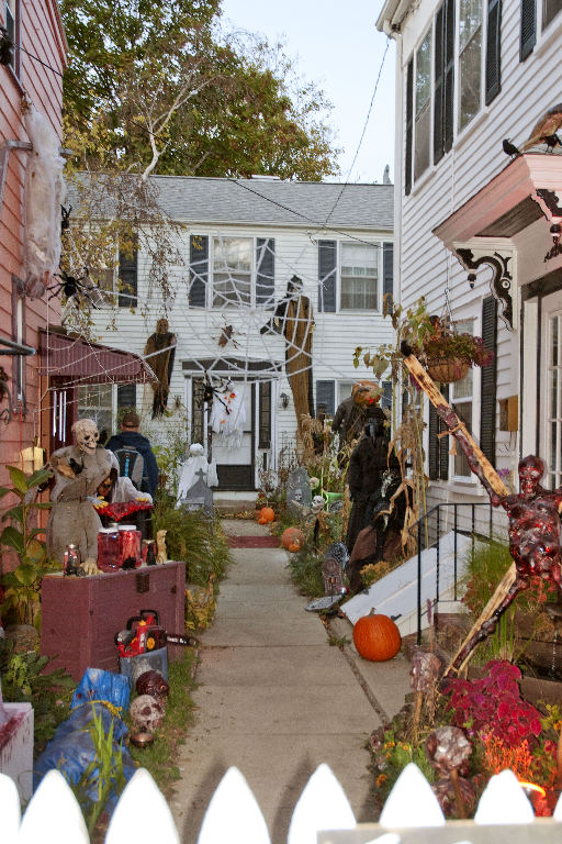 March StormDSC_0017 Salem house at Halloween